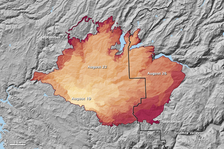 """The progression of the Rim Fire from  August 19 and September 2, 2013, as reported by fire managers. <i>Credit, Robert Simmon/ <a href=""""http://earthobservatory.nasa.gov/IOTD/view.php?id=81971"""">NASA Earth Observatory</a></i>."""