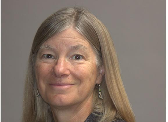 Headshot of ESA President Laura Huenneke