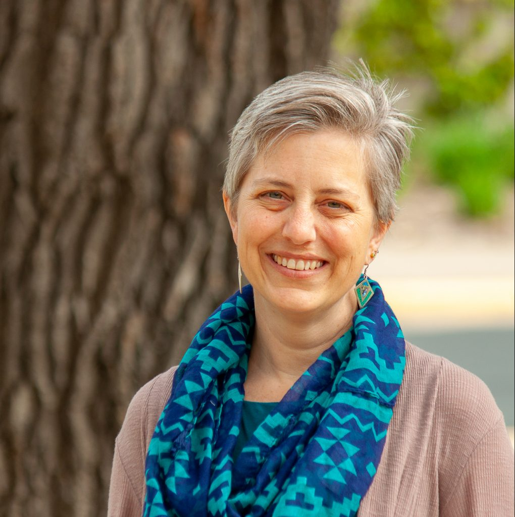 Borer outside 2017 Elizabeth Borer e1554237637887 1020x1024 - Ecological Society of America announces 2019 Fellows
